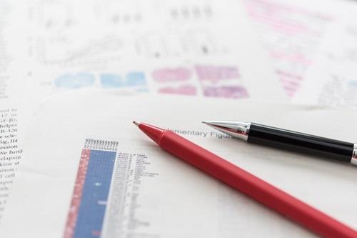 学会発表の作成代行なら、資料作成や論文化に付帯するデータの解析、文献調査といった業務も行う【アミイ情報企画】